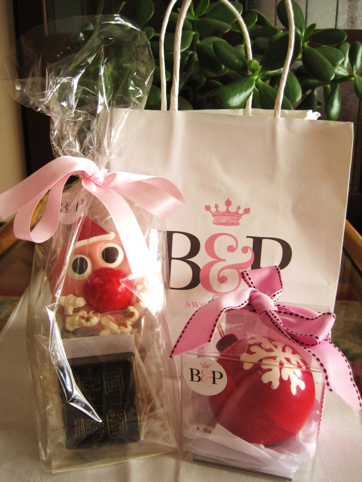 "MoMo & Coco's Advent Calendar 2012 - Christmas with Burch & Purchese - the ""Favourites Bag"""