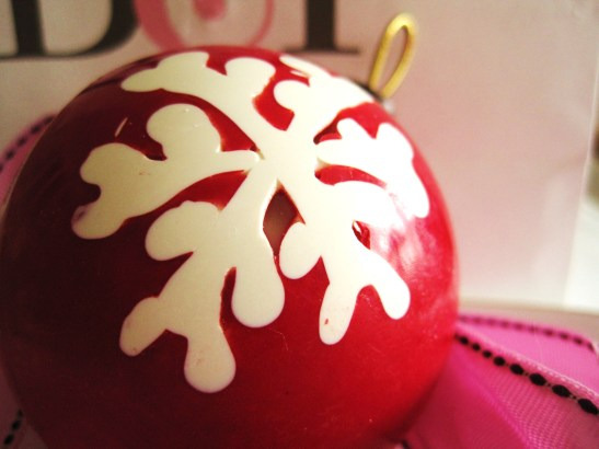 "MoMo & Coco's Advent Calendar 2012 - Christmas with Burch & Purchese - the ""Popping Christmas Bauble"""