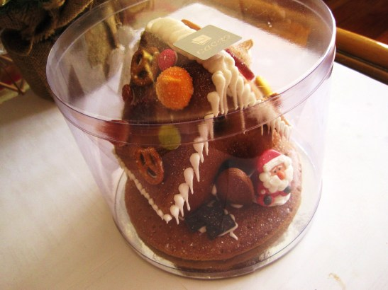 "MoMo & Coco's Advent Calendar 2012 - Christmas with Cacao - the bejewelled ""Gingerbread House"""