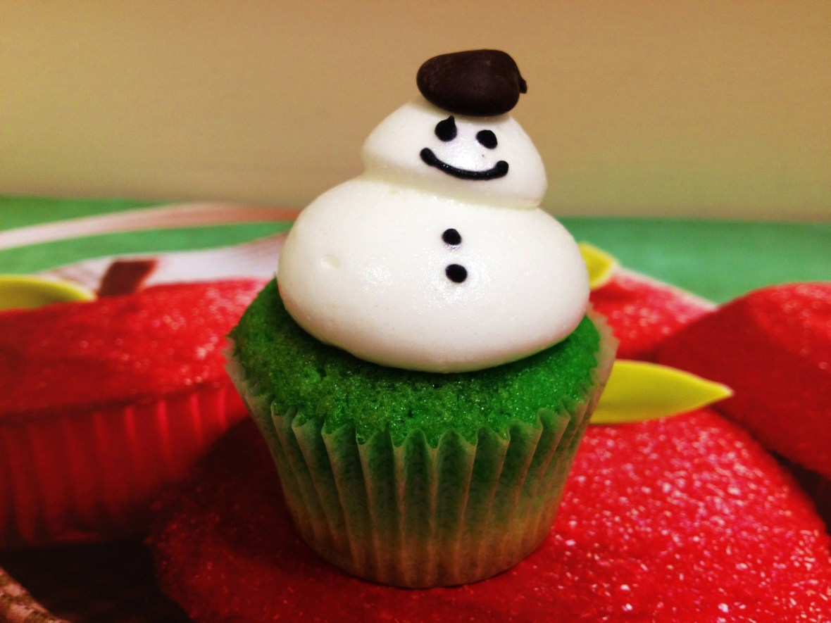 MoMo & Coco's Christmas Dessert Bargain Guide - from Little Cupcakes