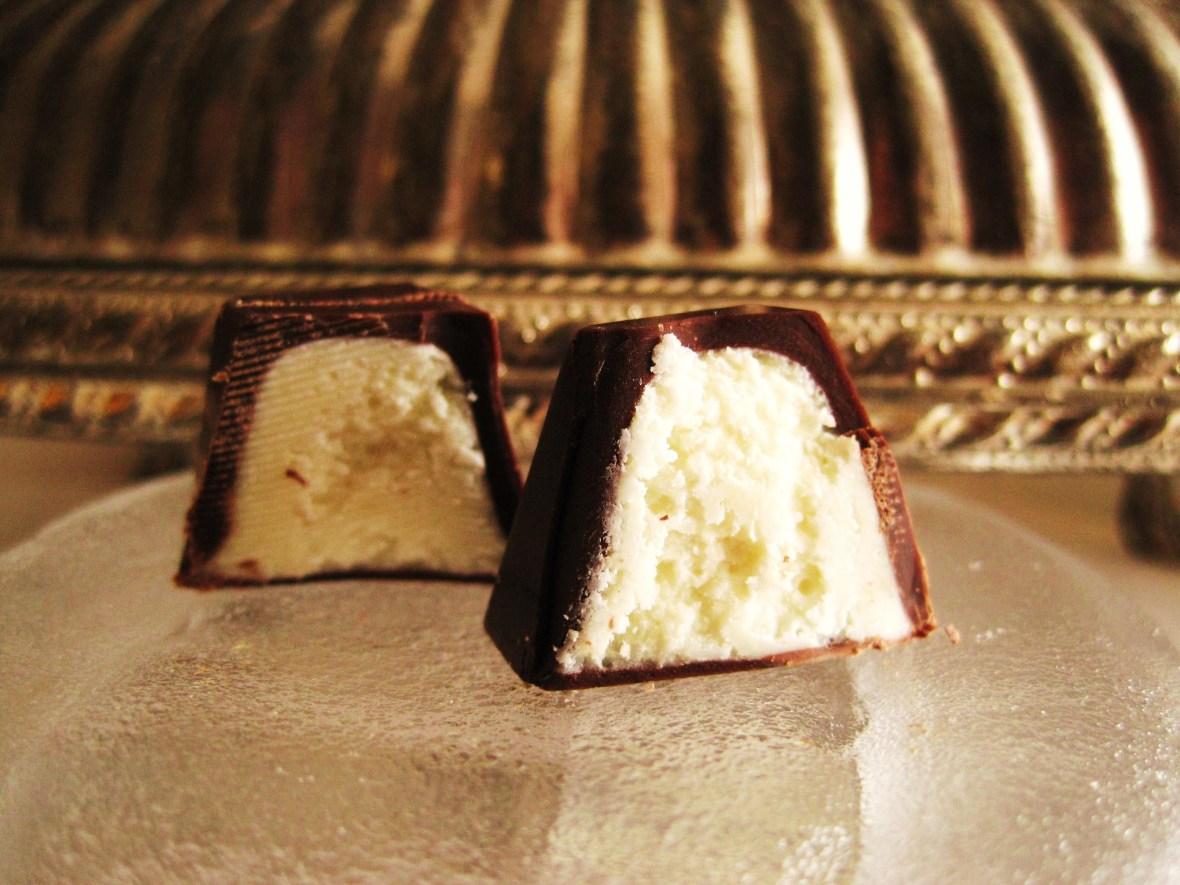 "Cioccolato Lombardo - cross-section of the ""Coconut Giandjuga"""