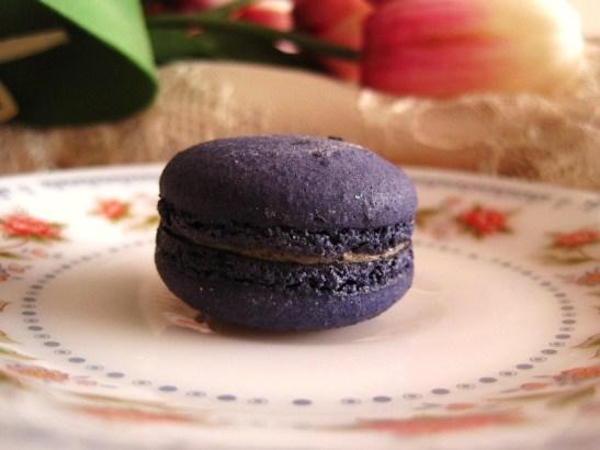 "Macarons by Josephine - the ""Black Sesame Macaron"""