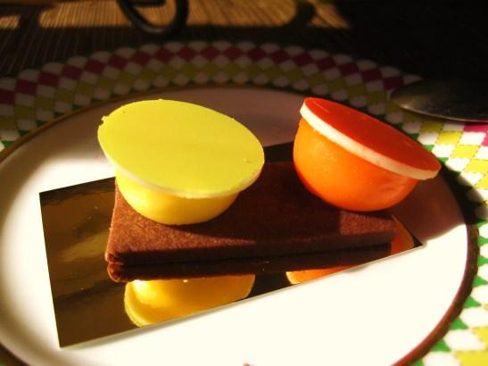 "Prêt-à-Portea Afternoon Tea, The Berkeley London - the ""Jonathan Saunders"" inspired creation"