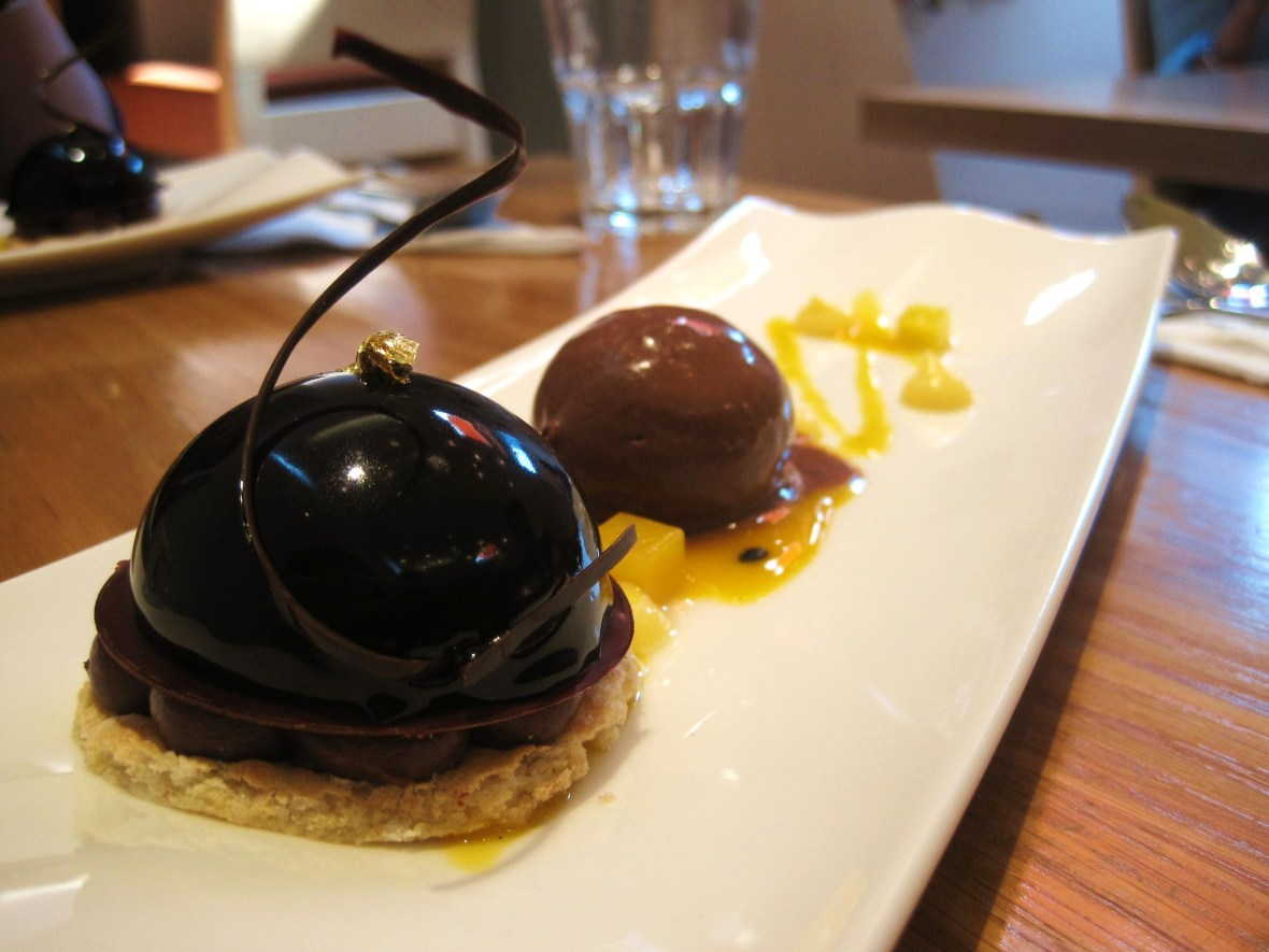 """MoMo & Coco's Belgravia Chocolate Hop, London - William Curley Dessert Bar - the """"Chocolate and Passionfruit Mousse"""""""