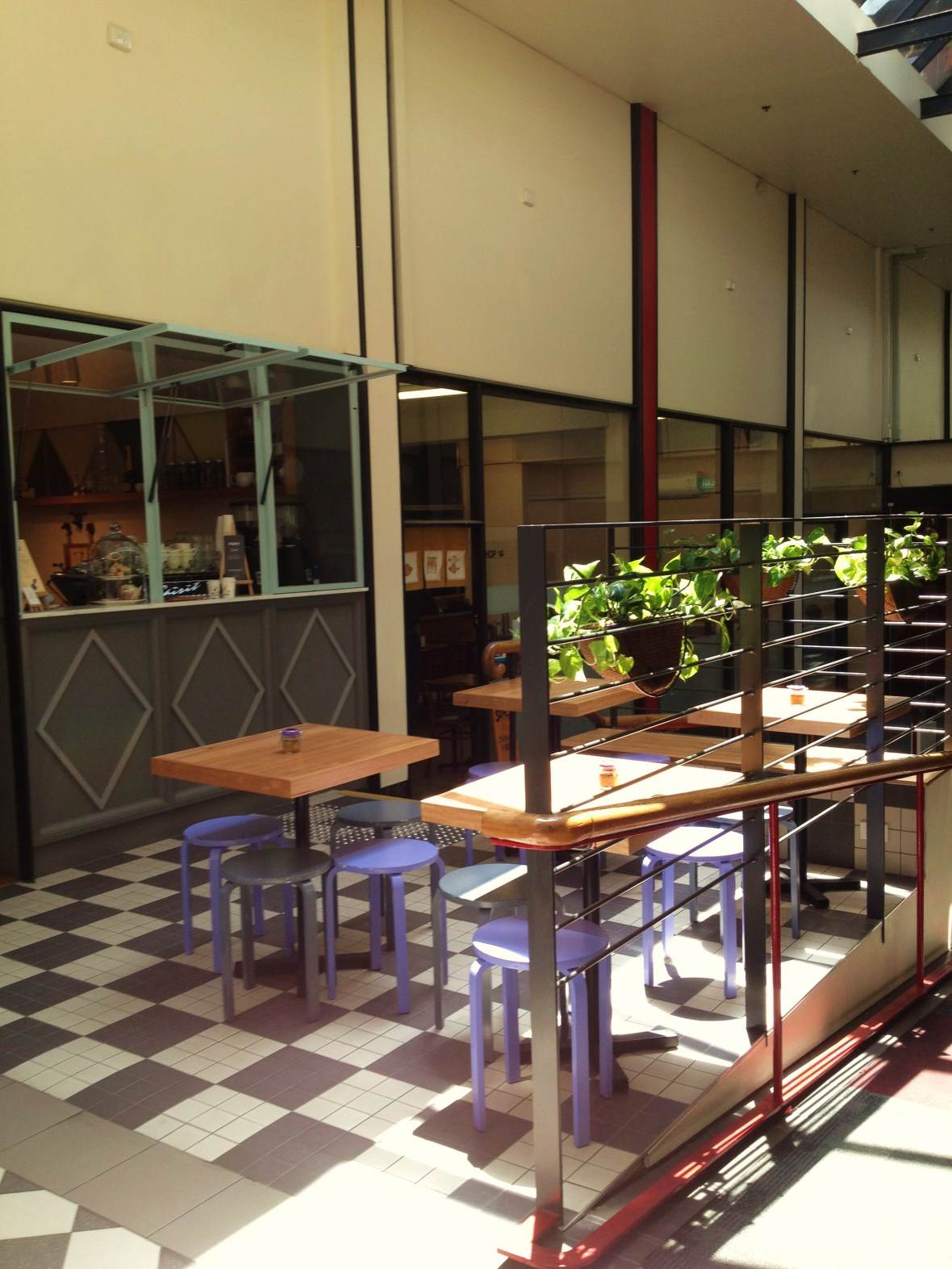 Alice Nivens Cafe - the frontage