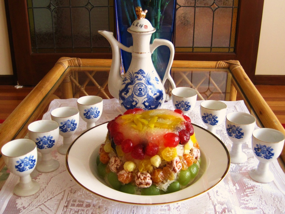 """MoMo & Coco's Guide to Chinese New Year Desserts - the """"Eight Treasure Pudding"""""""