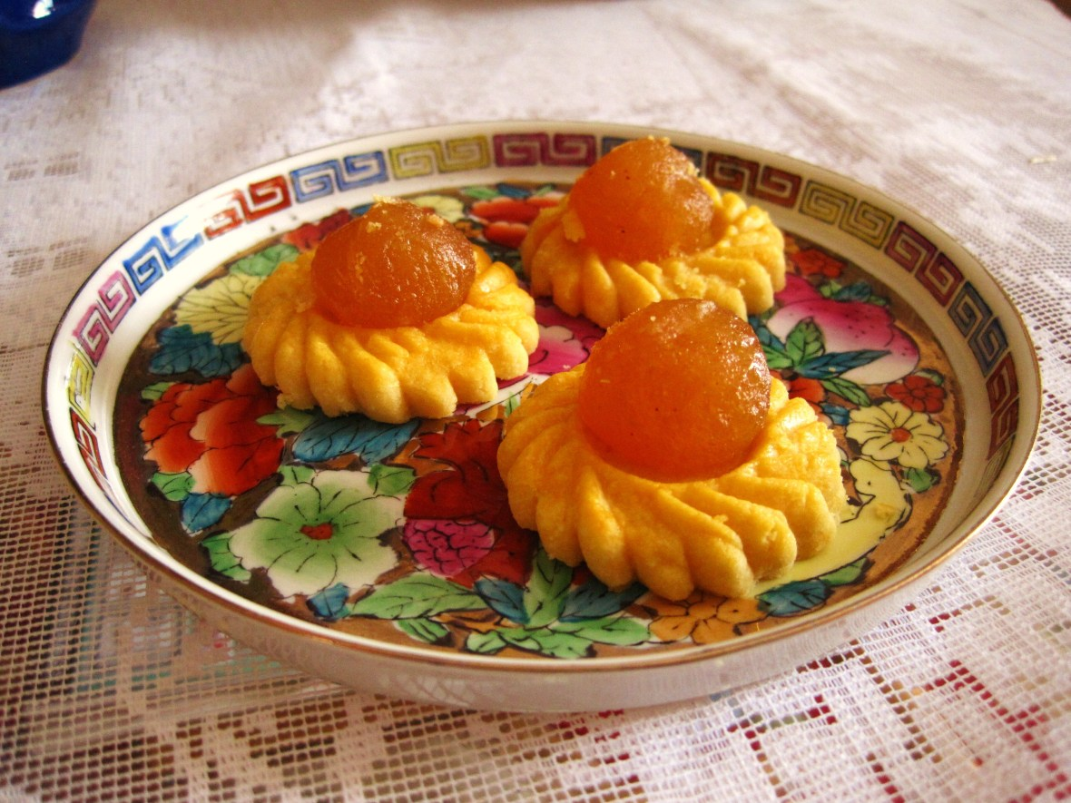 "MoMo & Coco's Guide to Chinese New Year Desserts - the ""Pineapple Tarts"""