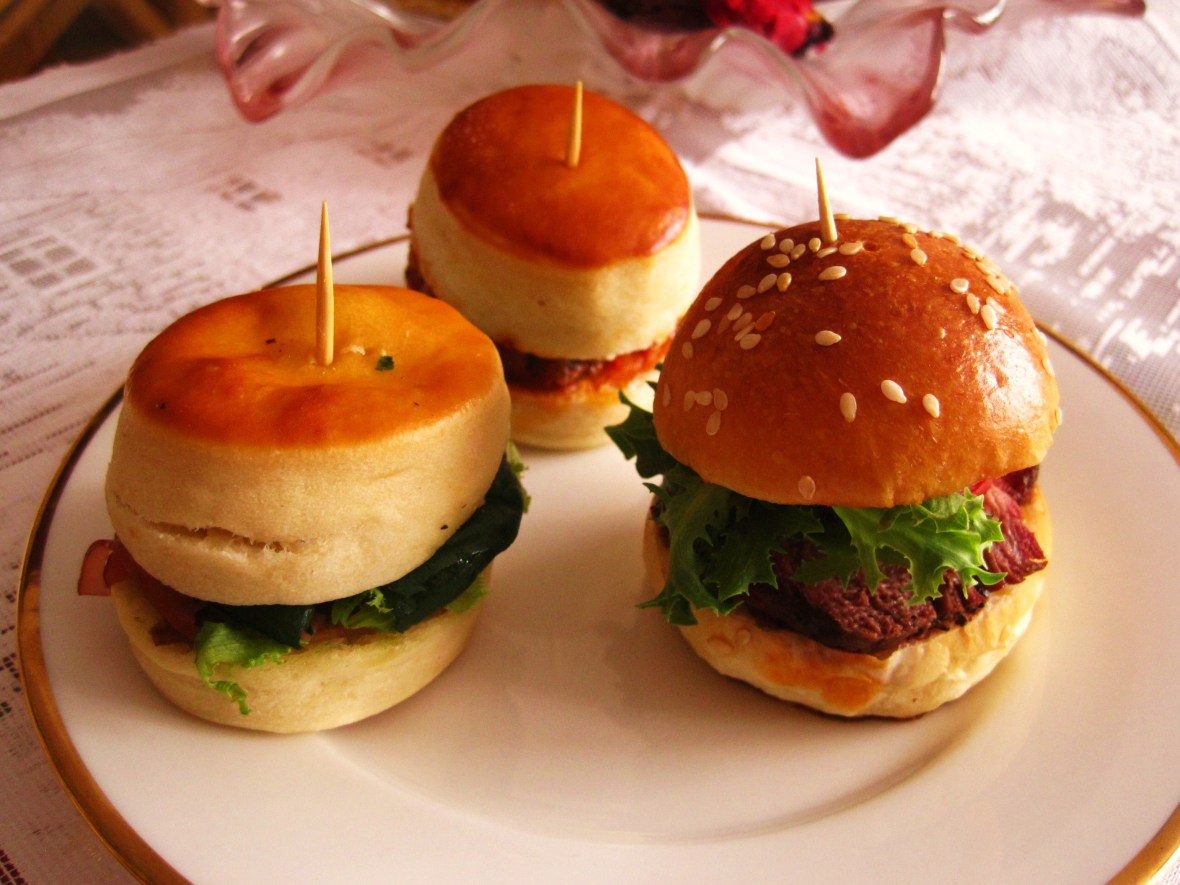 L'apres Midi - savoury mini burgers
