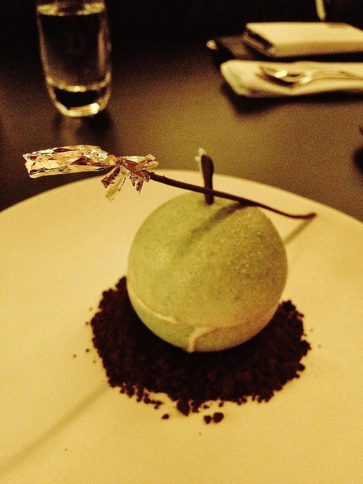 """Om Nom Dessert Bar - the """"Apple Sphere"""""""