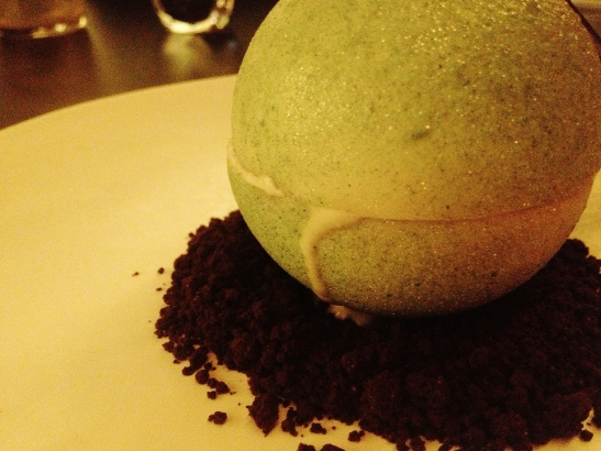 "Om Nom Dessert Bar - the ""Apple Sphere"""