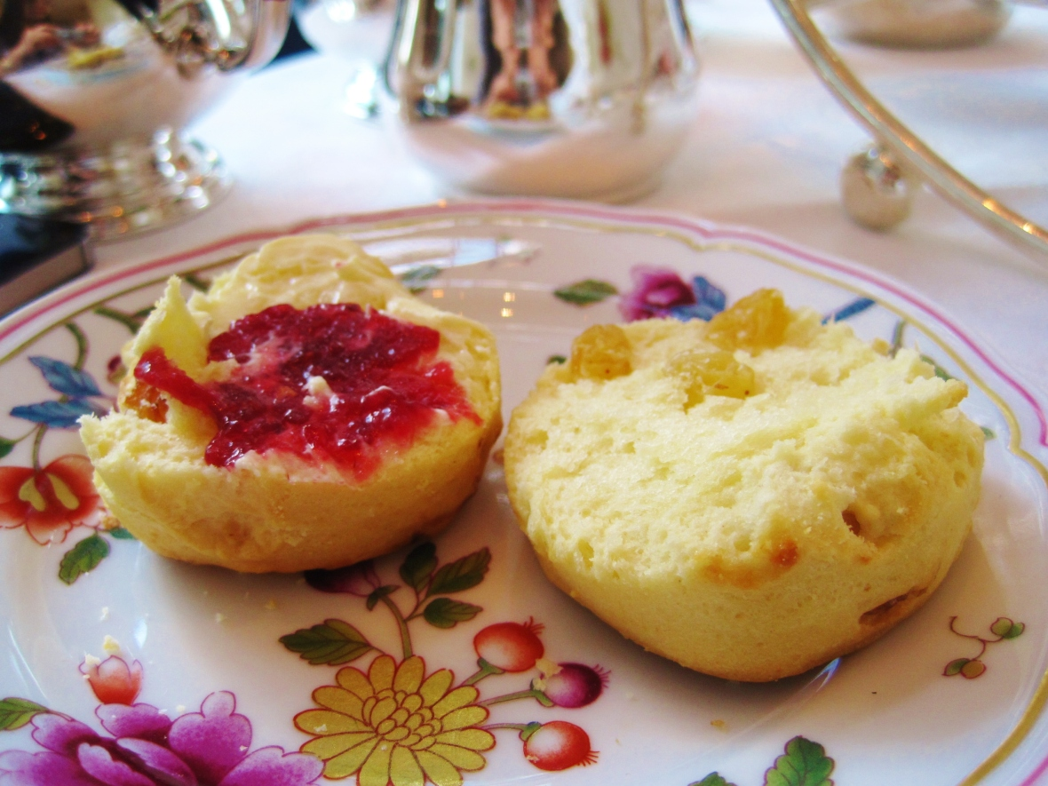 Afternoon Tea at the Island Shangri La Hong Kong - the scones