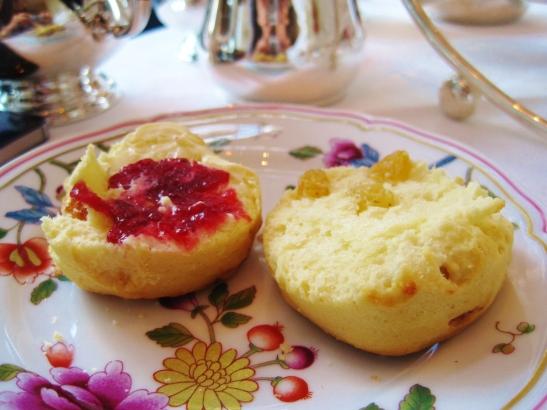 Afternoon Tea at the Island Shangri La Hong Kong - the scones