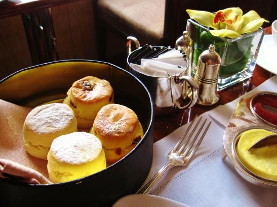Mandarin Oriental Clipper Lounge - Chloe Afternoon Tea - the scones