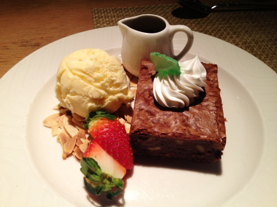 """MoMo & Coco HK Dessert Report - the """"Chocolate Brownie"""" at Cafe Malacca"""