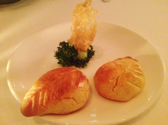 MoMo & Coco's HK Dessert Report - the Baked Cumquat Puffs at Duddell's
